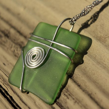Glass necklace 1